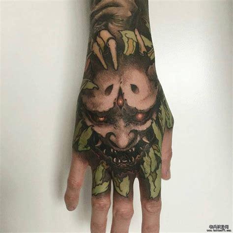 手背传统般若纹身图案 武汉纹身店之家 老兵纹身店 武汉纹身培训学校 纹身图案大全 洗纹身 武汉最好的纹身店