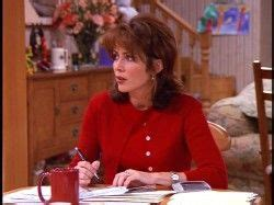 everybody loves raymond shorter 1000 ideas about patricia heaton on pinterest spring