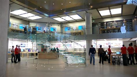 apple store paris the top ten awe inspiring apple stores in the world