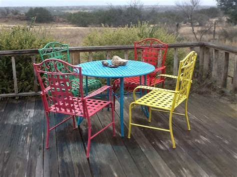 diy spray paint metal patio furniture landscaping gardening ideas