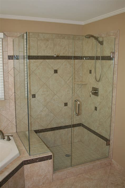 Showers With Glass Doors Dg 3
