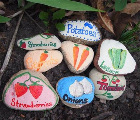 23 Gorgeous Easy To Make Plant Label Marker Diy To Make Painted Rocks For Garden