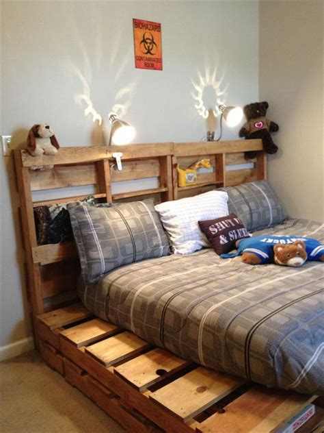 bed on pallets diy wooden pallet beds pallet furniture plans