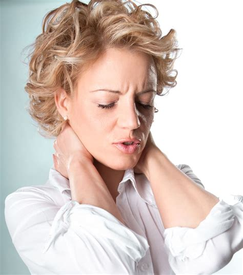 14 home remedies for treating stiff neck quickly home