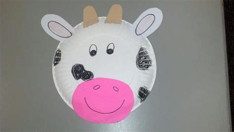 Cow Paper Plate Craft - paper plate cow craft preschool