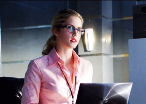 felicity smoak actress fan favorite on arrow made series regular tv equals