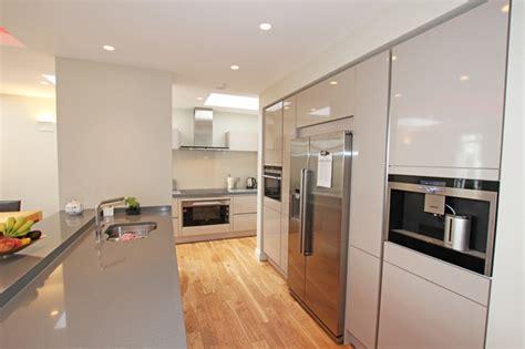 modern handleless kitchens handleless gloss kitchen modern kitchen