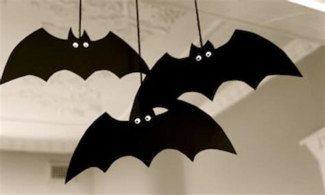 How To Make A Bat With Paper - make a spooky bat decoration kidspot
