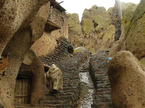 700 year old cave 700 year old hobbit cave homes for rent in iran 700 year