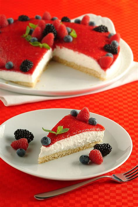 torta allo yogurt bicchieri dolci estivi leggeri donna moderna