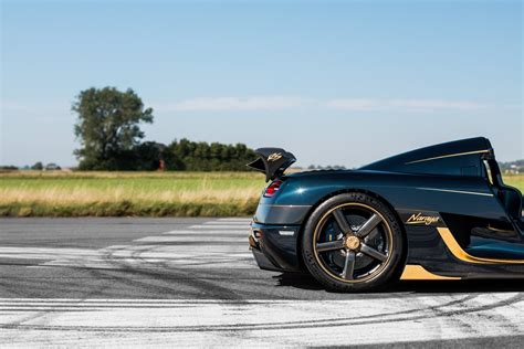 koenigsegg thailand koenigsegg spent 2 weeks applying gold leaf to agera rs