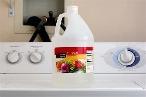 using vinegar as fabric softener review does it work