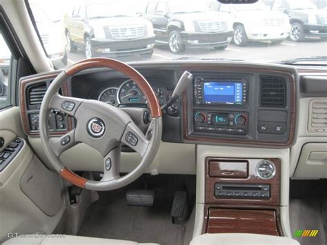 how make cars 2004 cadillac escalade ext interior lighting 2004 cadillac escalade ext awd dashboard photos gtcarlot com