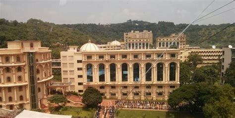 Mitsom Mba Fees by Mit School Of Management Mit Som Pune Admissions