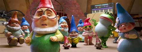 film animasi gnome and juliet tayangan romantis untuk review sherlock gnomes animasi yang meleset sasaran