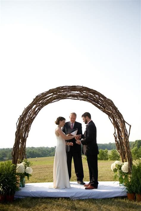 find  wedding arch    twisted twigs