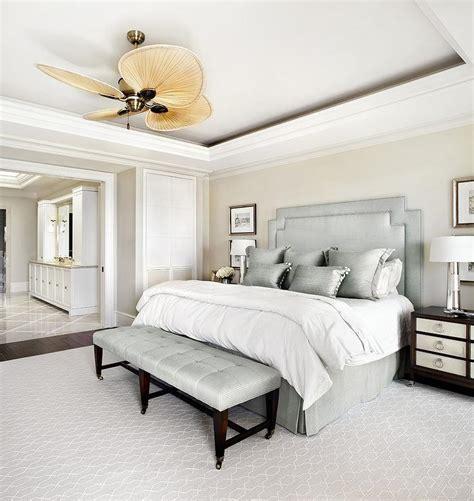 schlafzimmer cremefarben bedroom walls with silver gray headboard