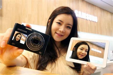 Kamera Samsung Dv300f samsung dv300f wlan kamera mit frontdisplay ist da