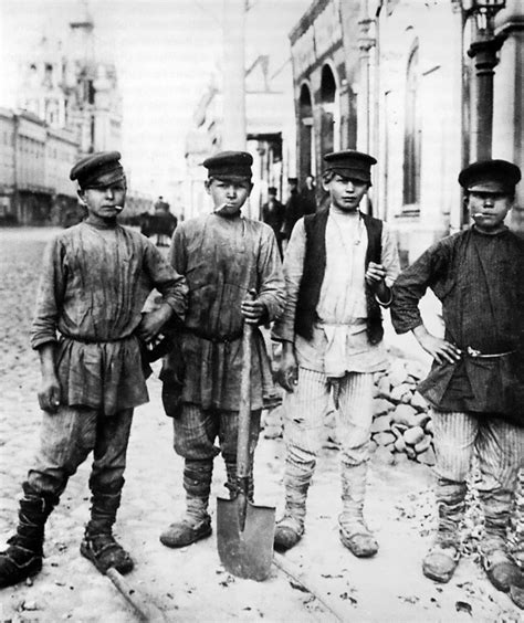 St Kid Mijean Bahan Wash 50 file moscow 1900s digging on ilyinka jpg wikimedia commons