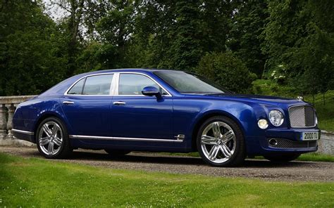 blue bentley mulsanne 2014 bentley mulsanne front side view in blue photo 4
