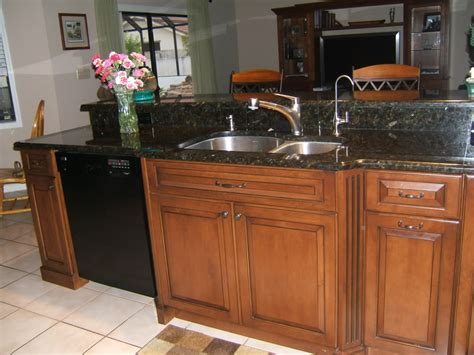 Best Color With Cherry Cabinets Quartz Or Granite Kitchen Design Granite