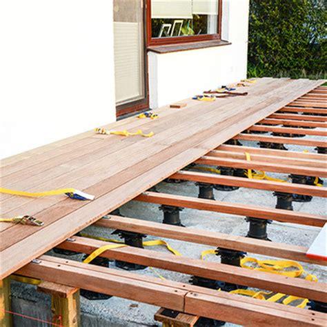 wpc terrassendielen verlegen auf beton 4231 wpc und holz terrassendielen benz24