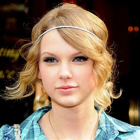 Flower Hairstyles With Headband by 20 Pretty Hairstyles With Headbands