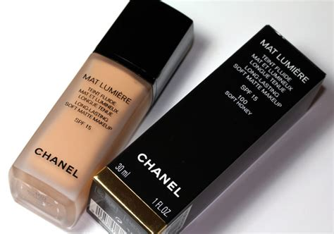 Chanel Mat Lumiere Foundation by Chanel Mat Lumiere Soft Matte Makeup With Spf 15 Helps