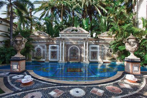 gianni versace house versace s mansion now casa casuarina