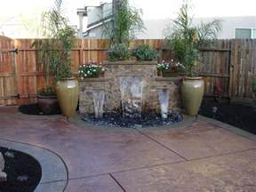brunnen terrasse garten brunnen aus stein 30 ideen f 252 r dekorative zierbrunnen