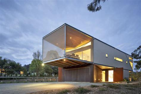 seaside house  aussie coast  butterfly roof modern