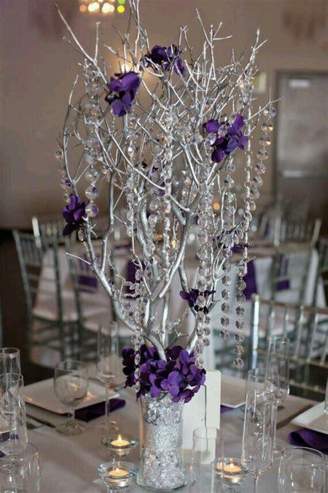 Centros De Mesa Quincea 241 Era Centros De Mesa Para 15 A 241 Os Purple And Silver Wedding Centerpiece Ideas