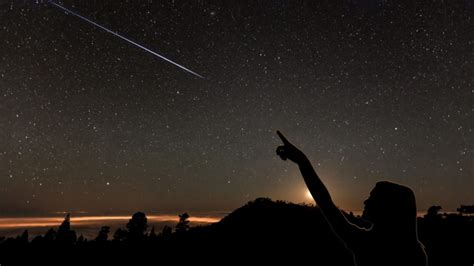 lyrid meteor shower april to host lyrid meteor shower awesomejelly