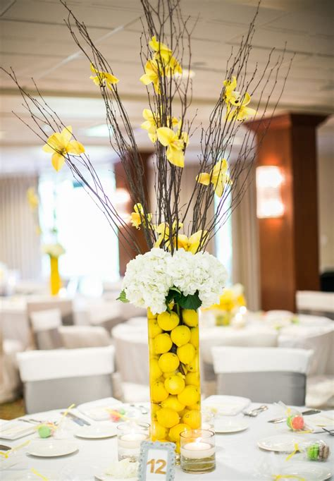 stunning wedding table decoration with yellow centerpiece