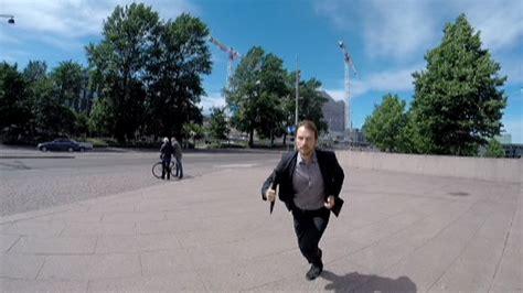 dramafire running man 370 outo pukumies juoksee helsingin keskustassa katso video