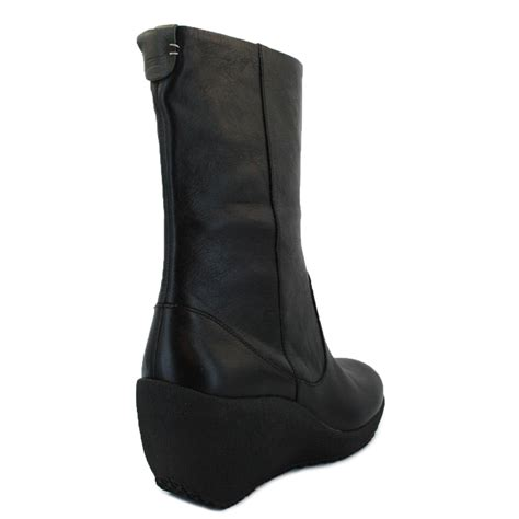 cer week 46500 001 womens zip leather wedge boots black