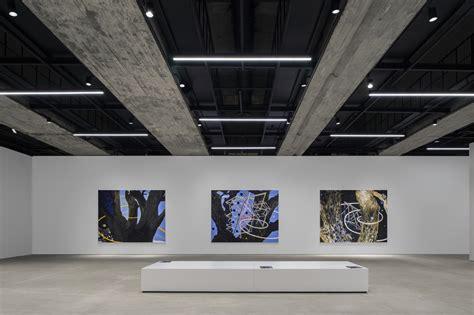 saleh barakat gallery left architects archdaily