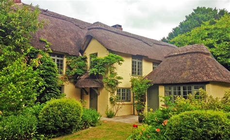 thatched cottage beck cottage woodgreen 6 bedroom 18th century new