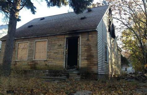 eminem house eminem s childhood home catches on fire in detroit rap basement