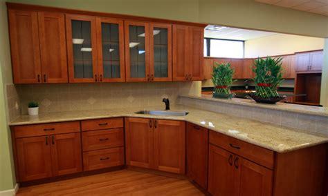 cherry mahogany kitchen cabinets mahogany kitchen cherry shaker cabinets with