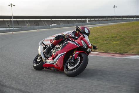 Motorrad Honda 1000 Cbr by Honda Cbr 1000 Rr Fireblade 2017 Test Motorrad Fotos