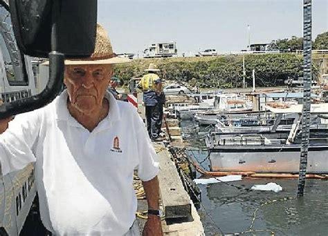 boat sinking wollongong harbour boat sinks in wollongong harbour illawarra mercury