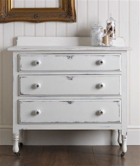 white upholstery paint chalky finish furniture paint 187 rustoleum spray paint