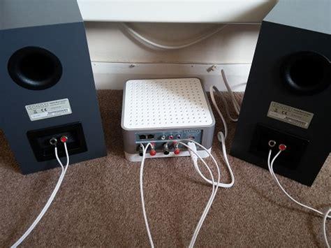 hook up bookshelf speakers to pc