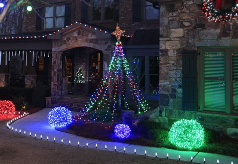 how to string lights on outdoor tree outdoor yard decorating ideas