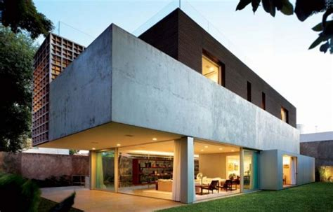 modern and villa design in sao paulo by isay