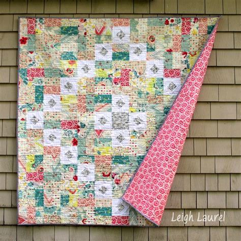 quilt pattern squares and rectangles squares and rectangles throw quilt favequilts com