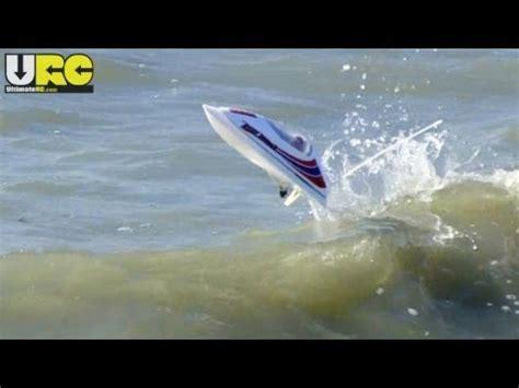 rc boats vs waves rc hunter aquacraft rc boat reef racer 2 doovi