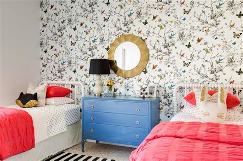 Dresser Bedroom Birds And Butterflies Wallpaper Design Ideas