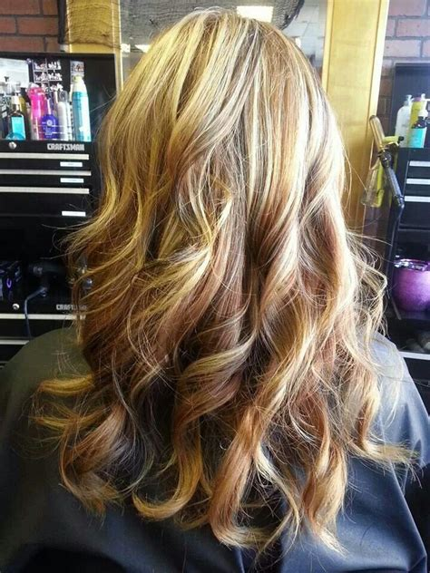 carmel and blonde highligh pictures blonde caramel highlights hair pinterest colors